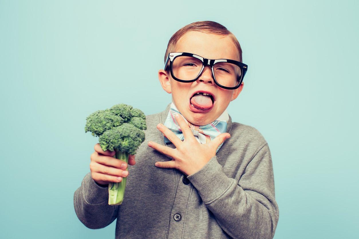 Cibofobia: cos'è, come si manifesta e come si supera la paura del cibo