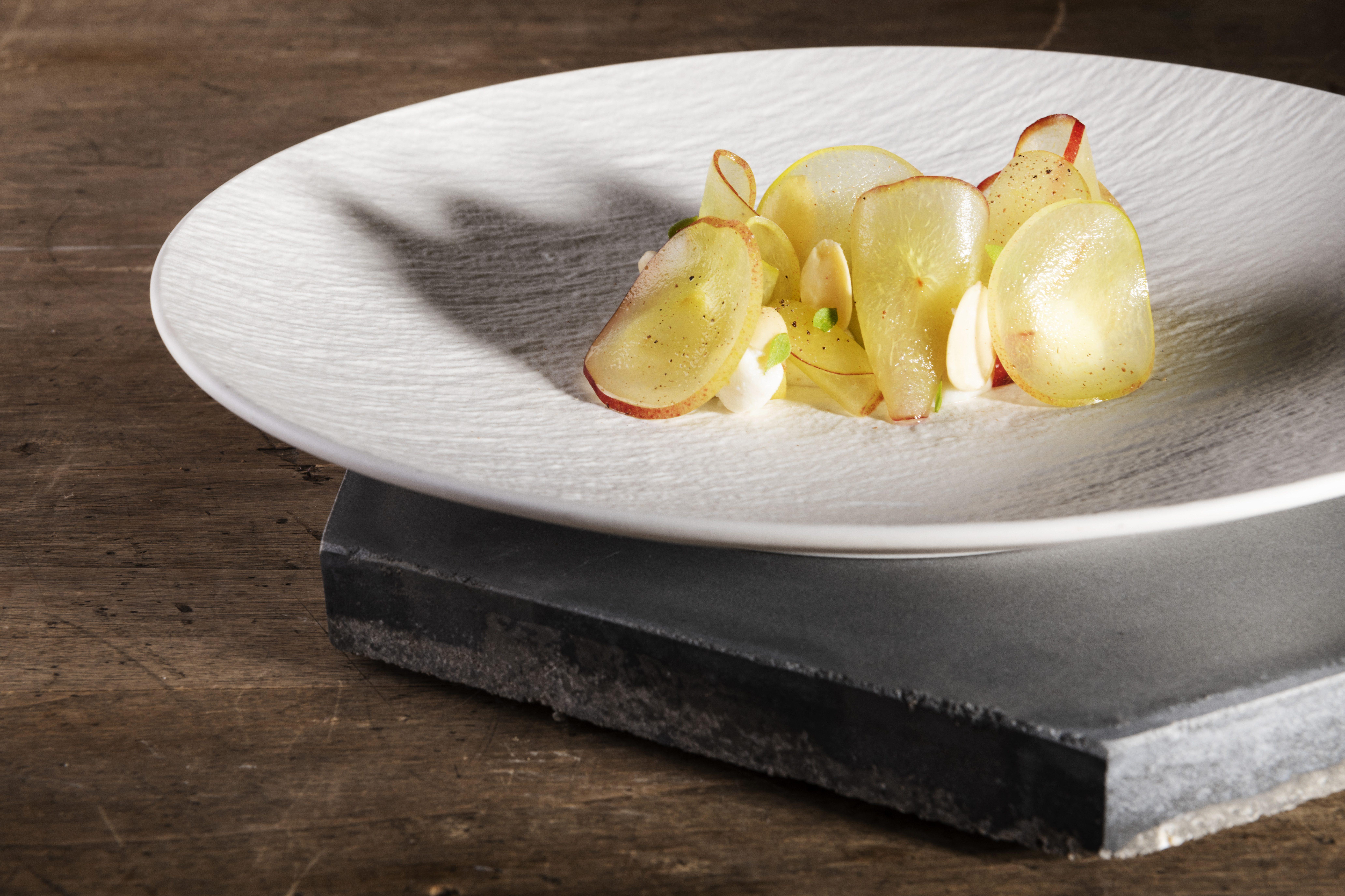 Impazza il delivery, ecco i più interessanti: dagli chef stellati al sushi fatto in casa