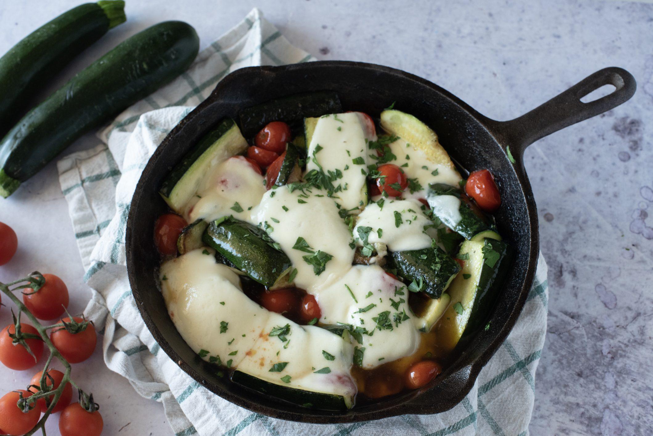 Zucchine alla sorrentina: la ricetta del piatto campano filante e godurioso