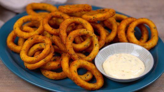 Anelli croccanti di patate: la ricetta dell'antipasto sfizioso e saporito