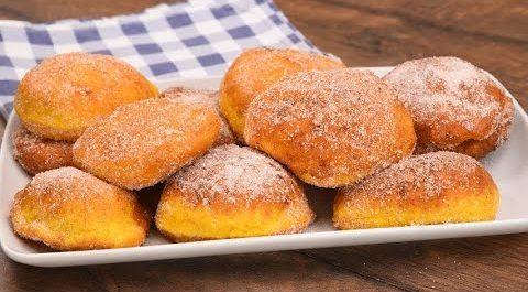 Bomboloni alla zucca: la ricetta dei dolci fritti soffici e deliziosi