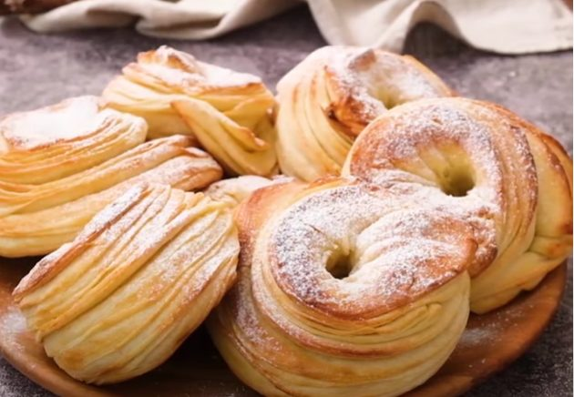 Ciambelle sfogliate: la ricetta delle ciambelline deliziose e irresisitibili