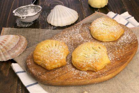Conchiglie di pasta sfoglia: la ricetta dei dolcetti veloci e fragranti