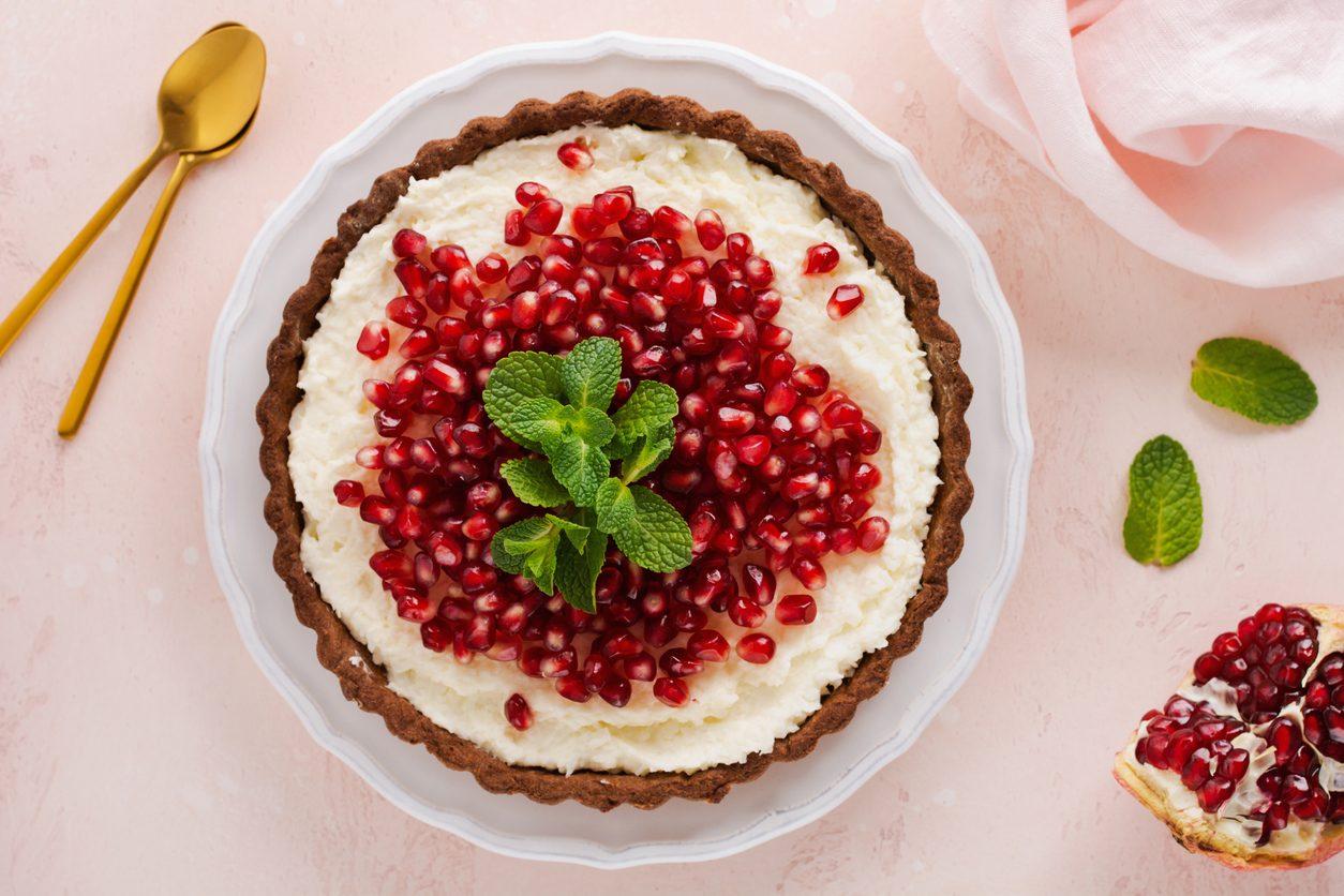 Crostata al melograno: la ricetta del dolce delizioso con crema di melograno