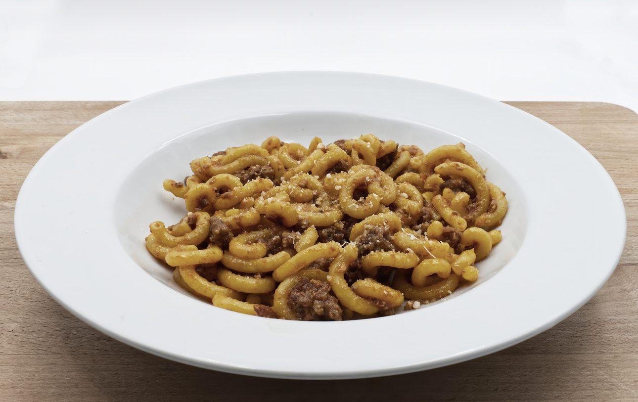 Gramigna con salsiccia: la ricetta del primo piatto tipico della cucina emiliana