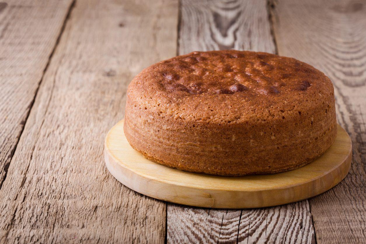 Pan di Spagna integrale: la ricetta per prepararlo alto e soffice con farina integrale