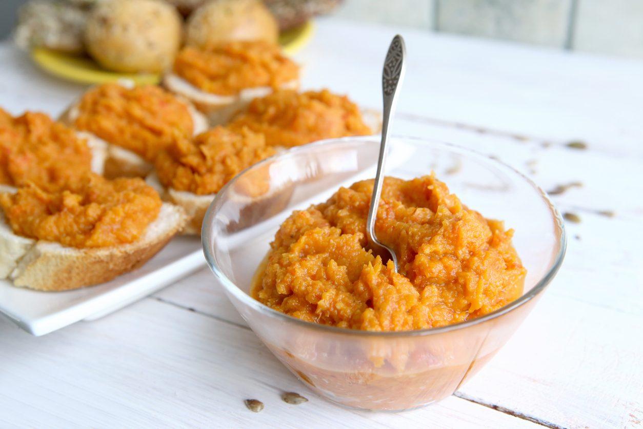 Pesto di zucca: la ricetta del condimento autunnale semplice e sfizioso