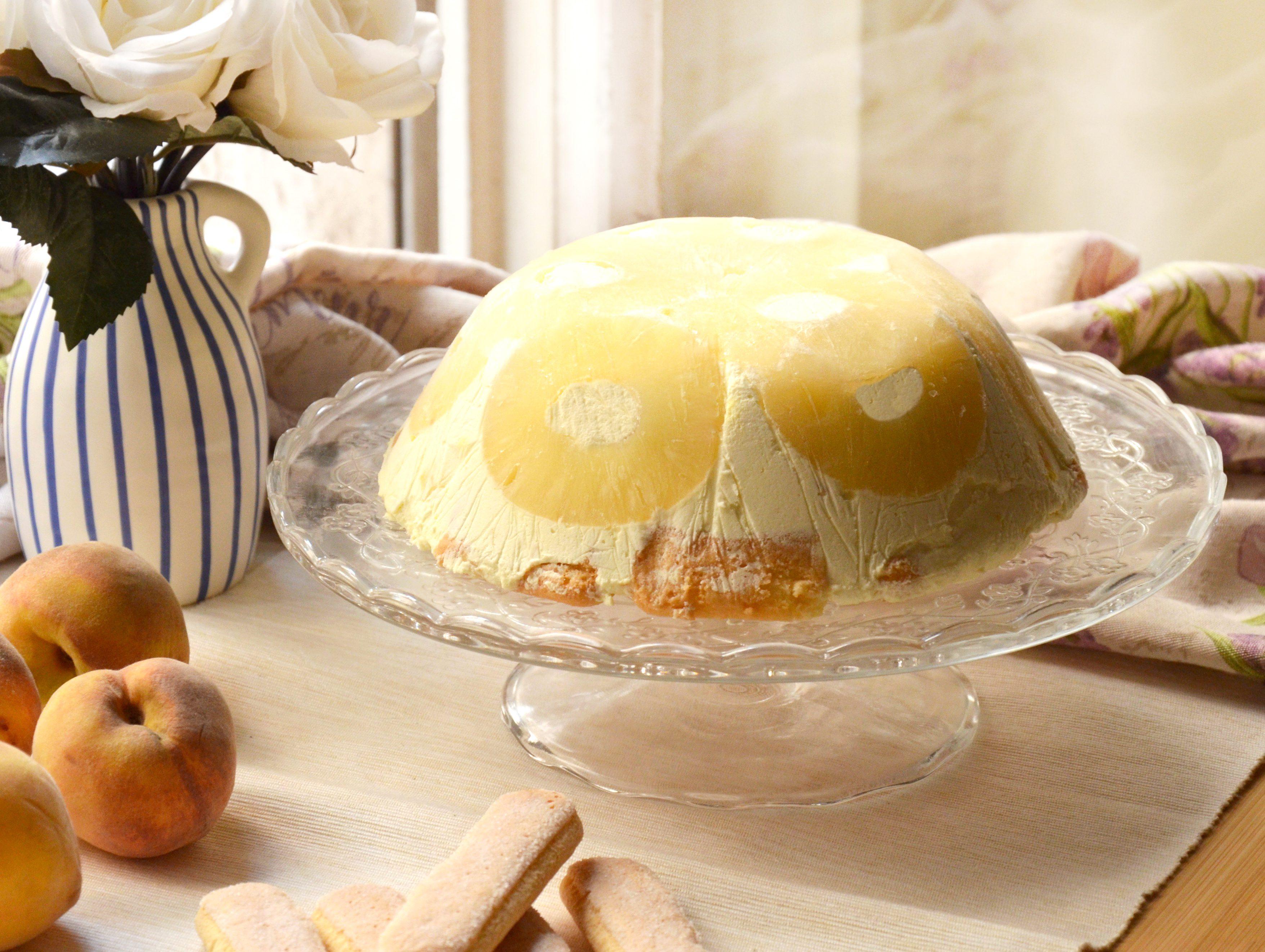Zuccotto all'ananas: la ricetta del dolce senza cottura goloso e dal gusto esotico