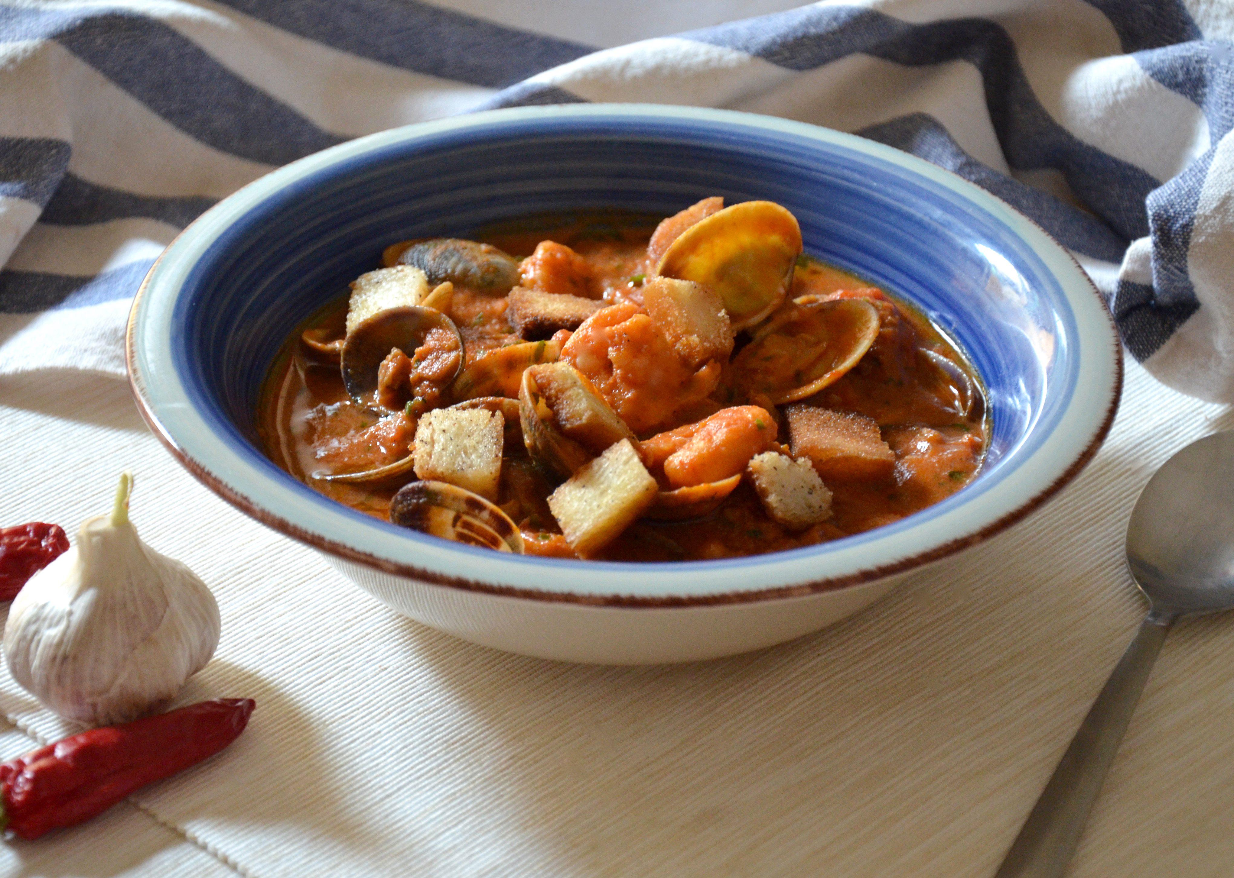 Zuppa di vongole: la ricetta del piatto di pesce ricco e saporito
