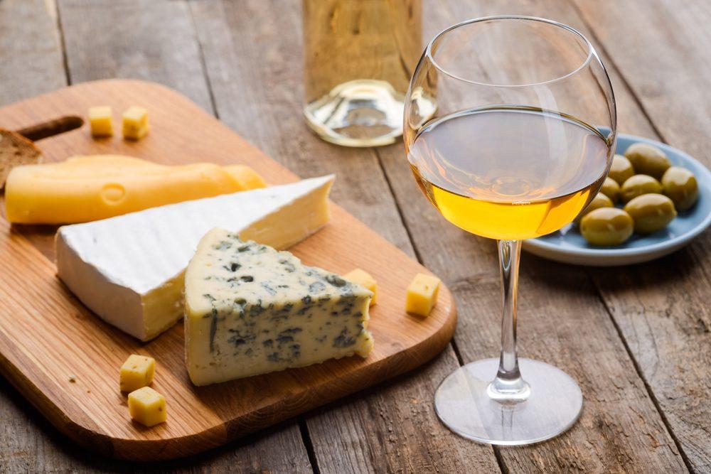 Come abbinare il vino al formaggio erborinato