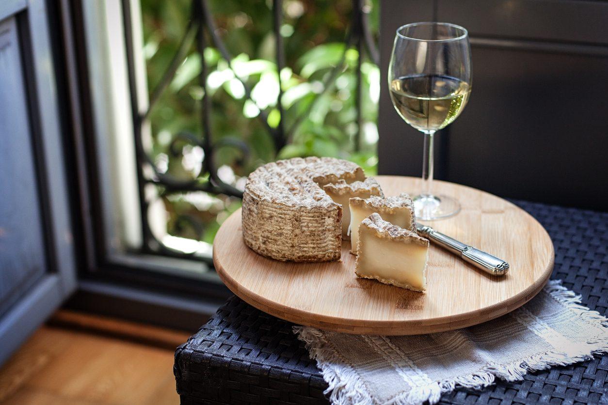 Come abbinare il vino al formaggio di capra