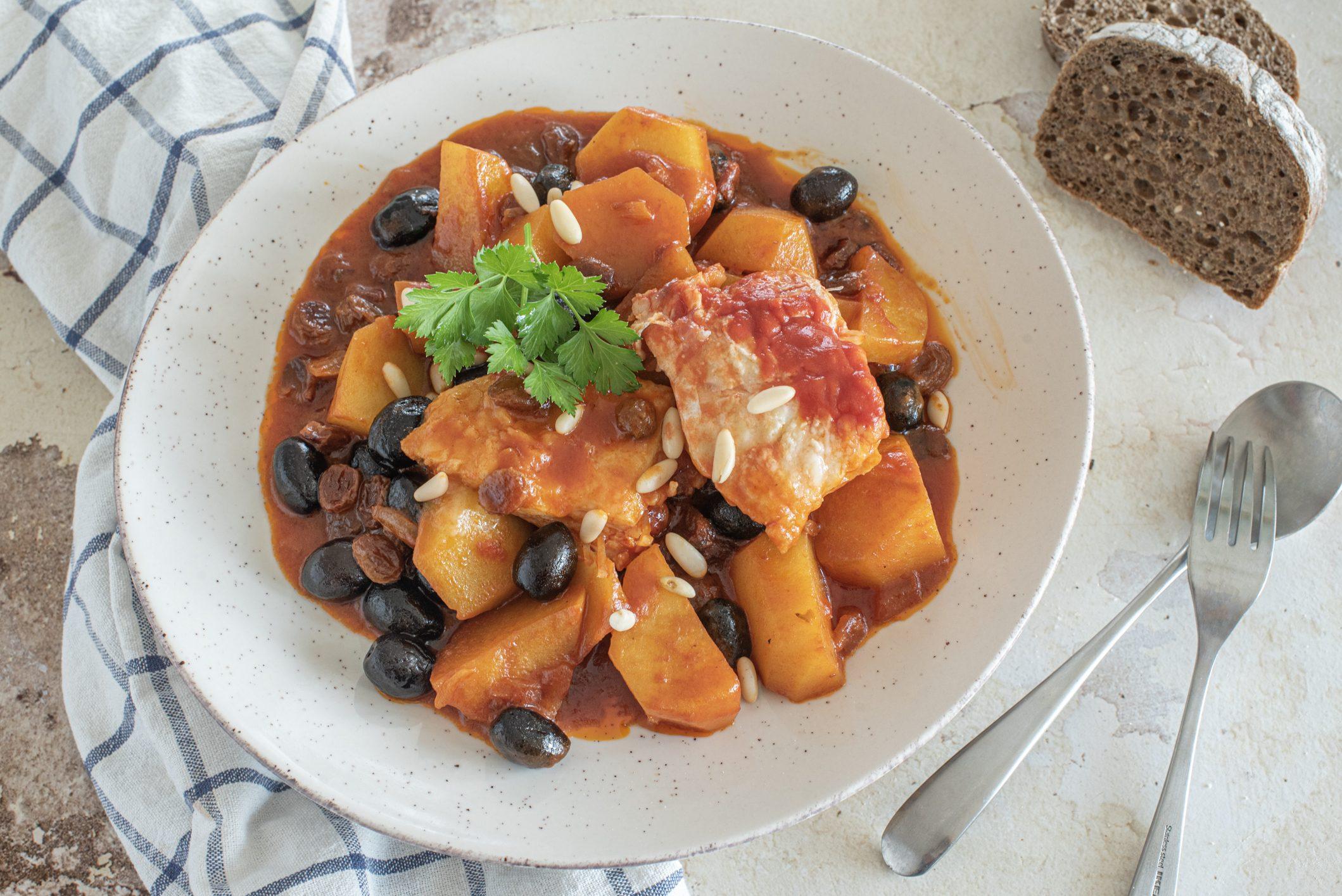 Baccalà alla ghiotta: la ricetta del piatto siciliano ricco e gustoso