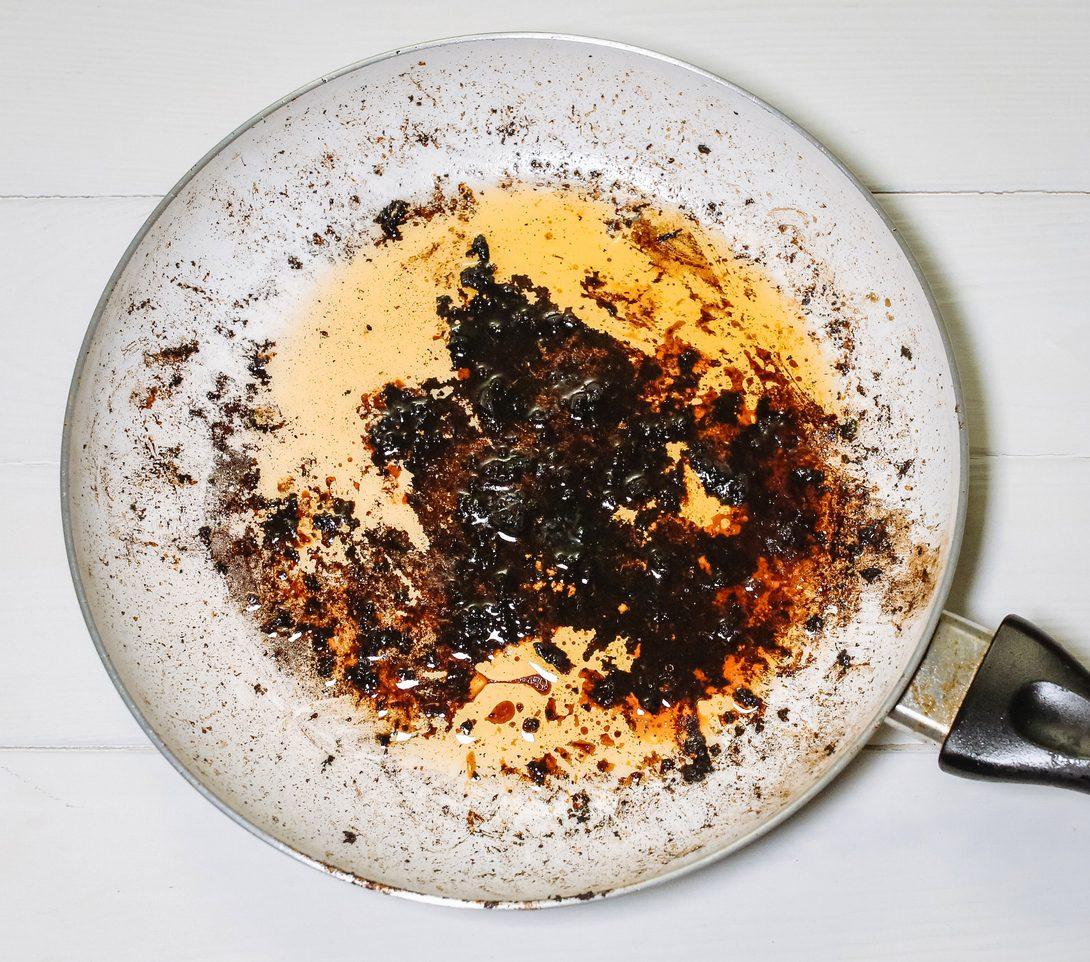 Come pulire la pentola bruciata: consigli e trucchi per riportarle a nuova vita