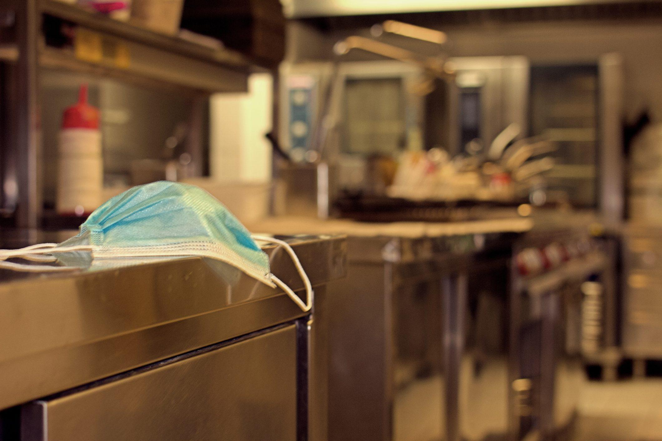 La stretta sulla ristorazione: le misure del nuovo decreto e le proteste in corso