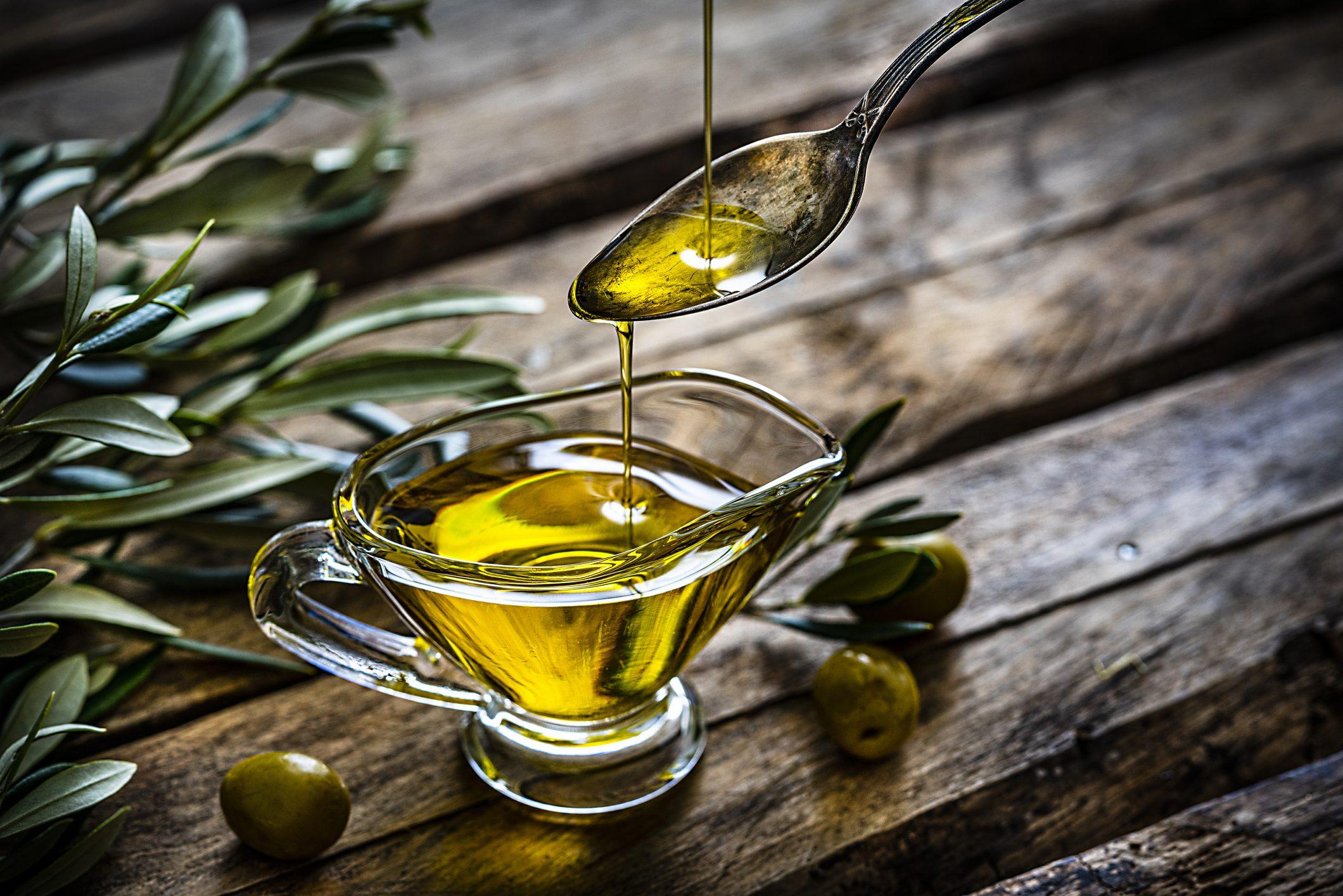 """Un """"super"""" olio extravergine può salvare gli ulivi malati del Salento"""