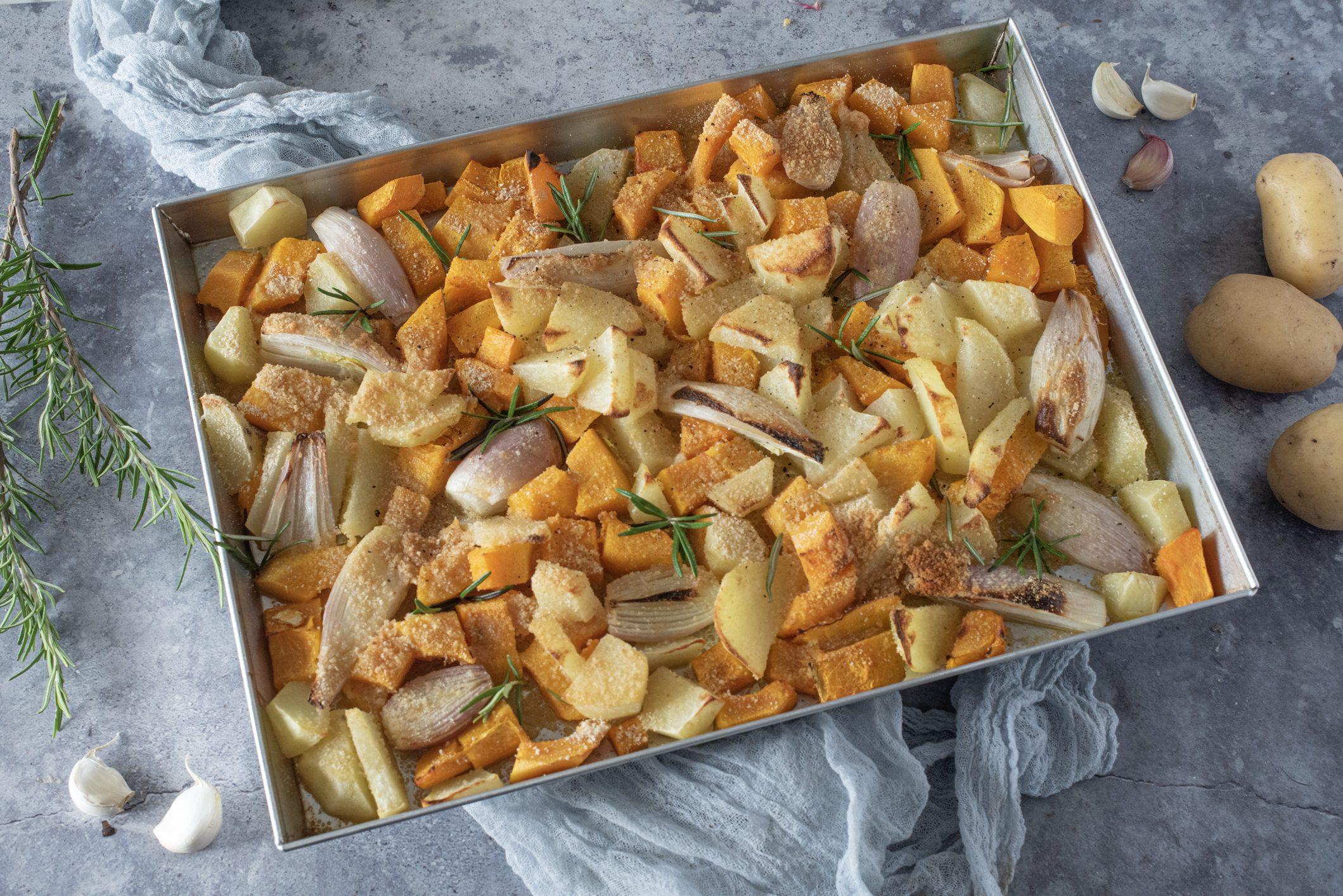 Zucca e patate gratinate: la ricetta del contorno semplice e irresistibilmente croccante