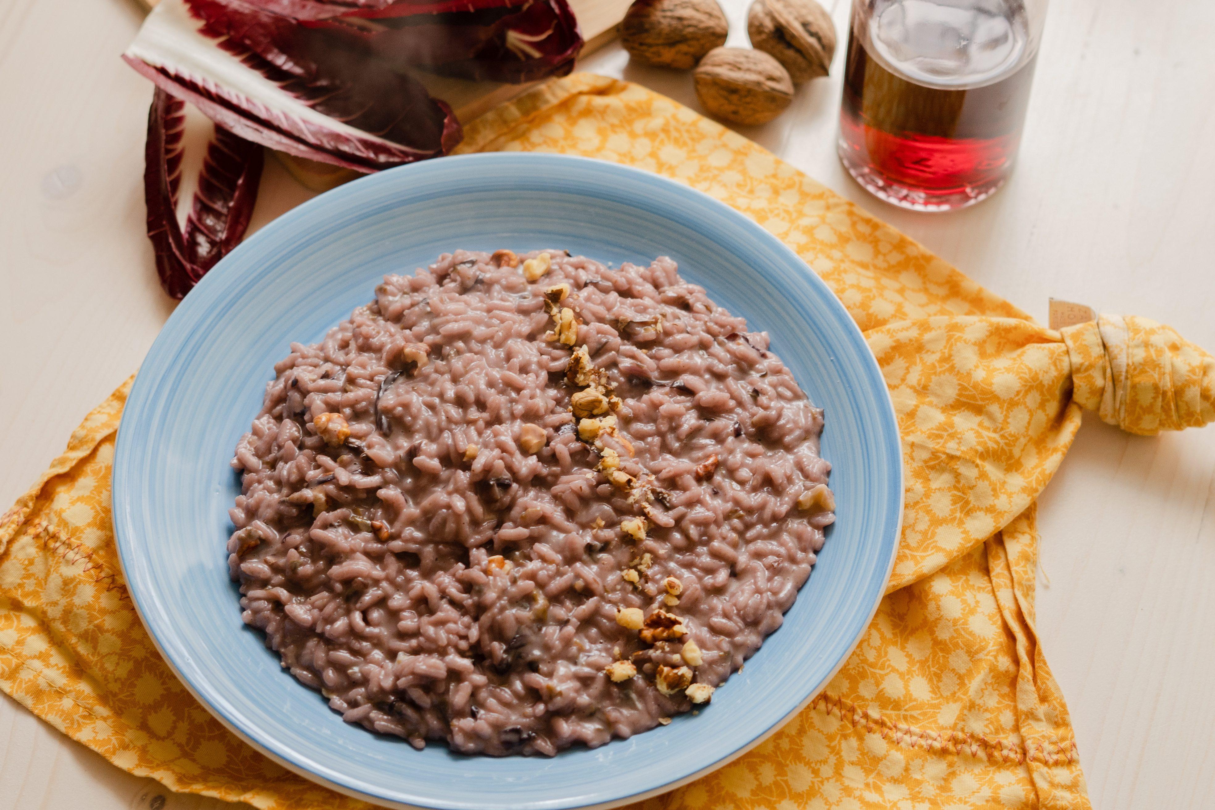 Risotto con radicchio e gorgonzola: la ricetta del piatto cremoso e saporito