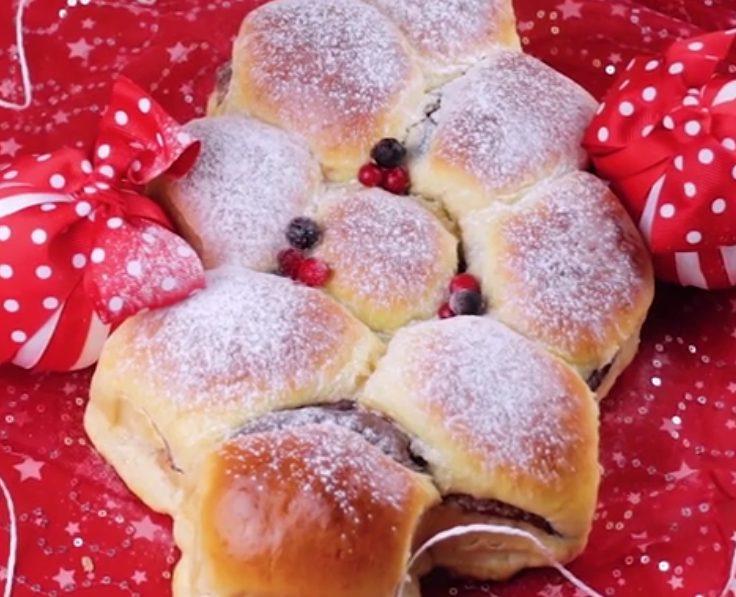 Albero di pan brioche: la ricetta del dolce natalizio soffice con golosa farcitura