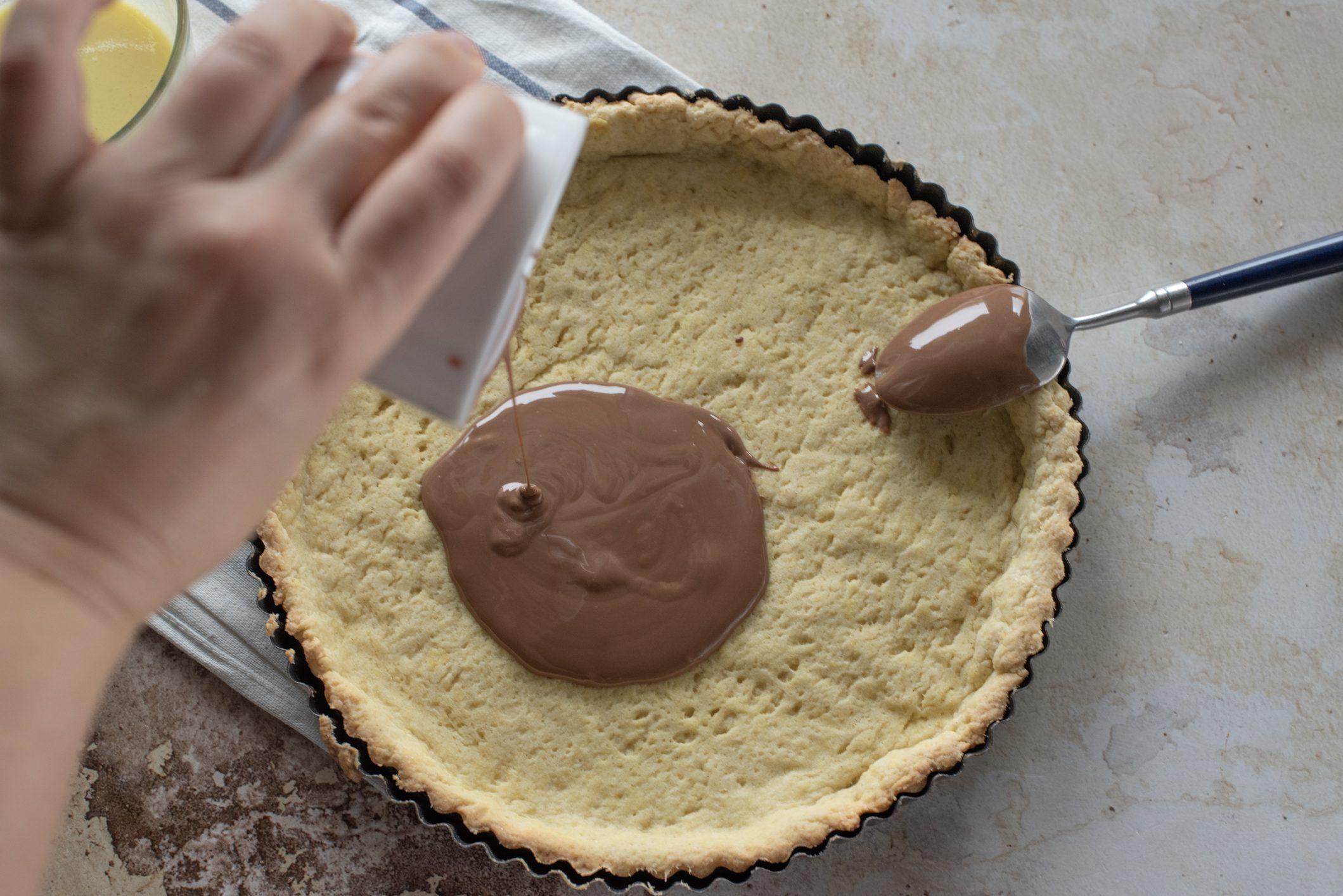 Crostata con crema pasticciera e cioccolato