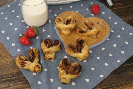 Cuori alla cannella: la ricetta dei dolcetti di pasta sfoglia semplici e profumati