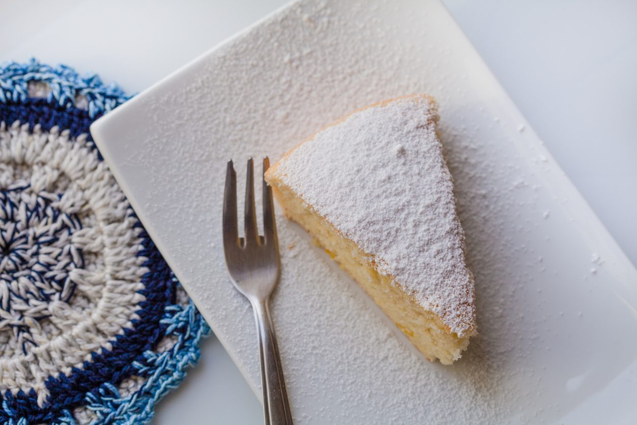 Torta al torrone: la ricetta del dolce semplice e delizioso