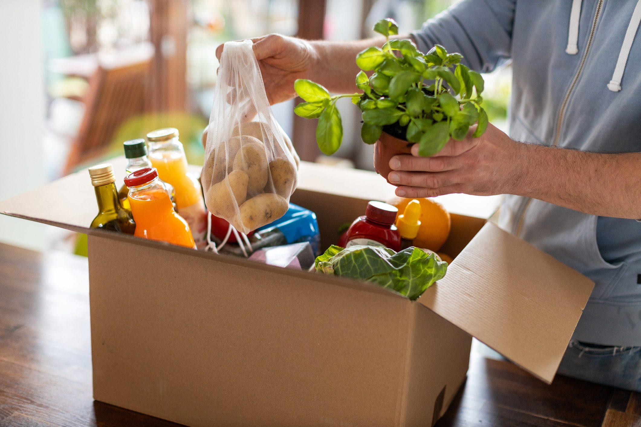 Arriva l'e-commerce del cibo in scadenza: un'idea per combattere lo spreco e risparmiare