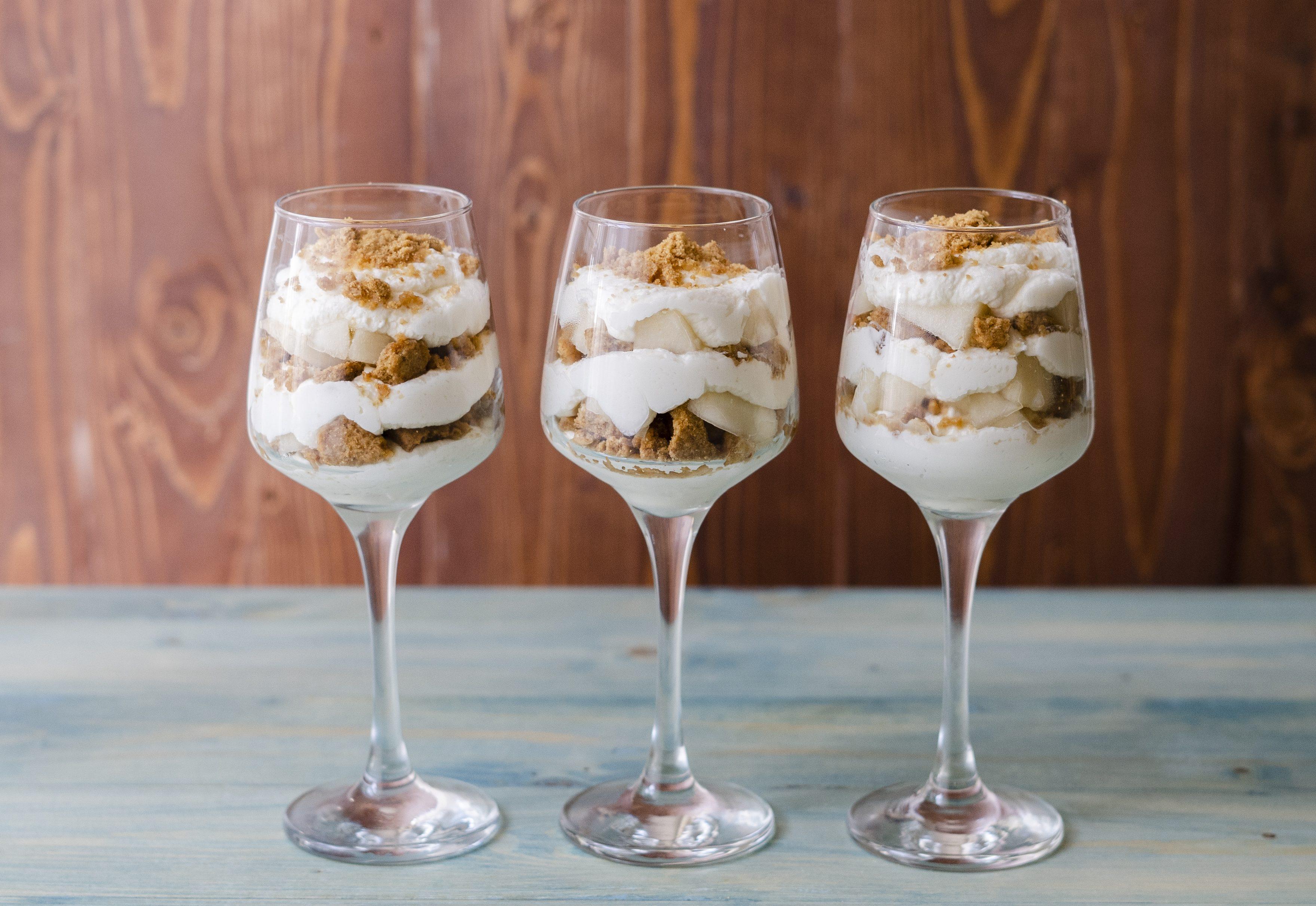 Bicchierini con pere e mascarpone: la ricetta del goloso dolce al cucchiaio