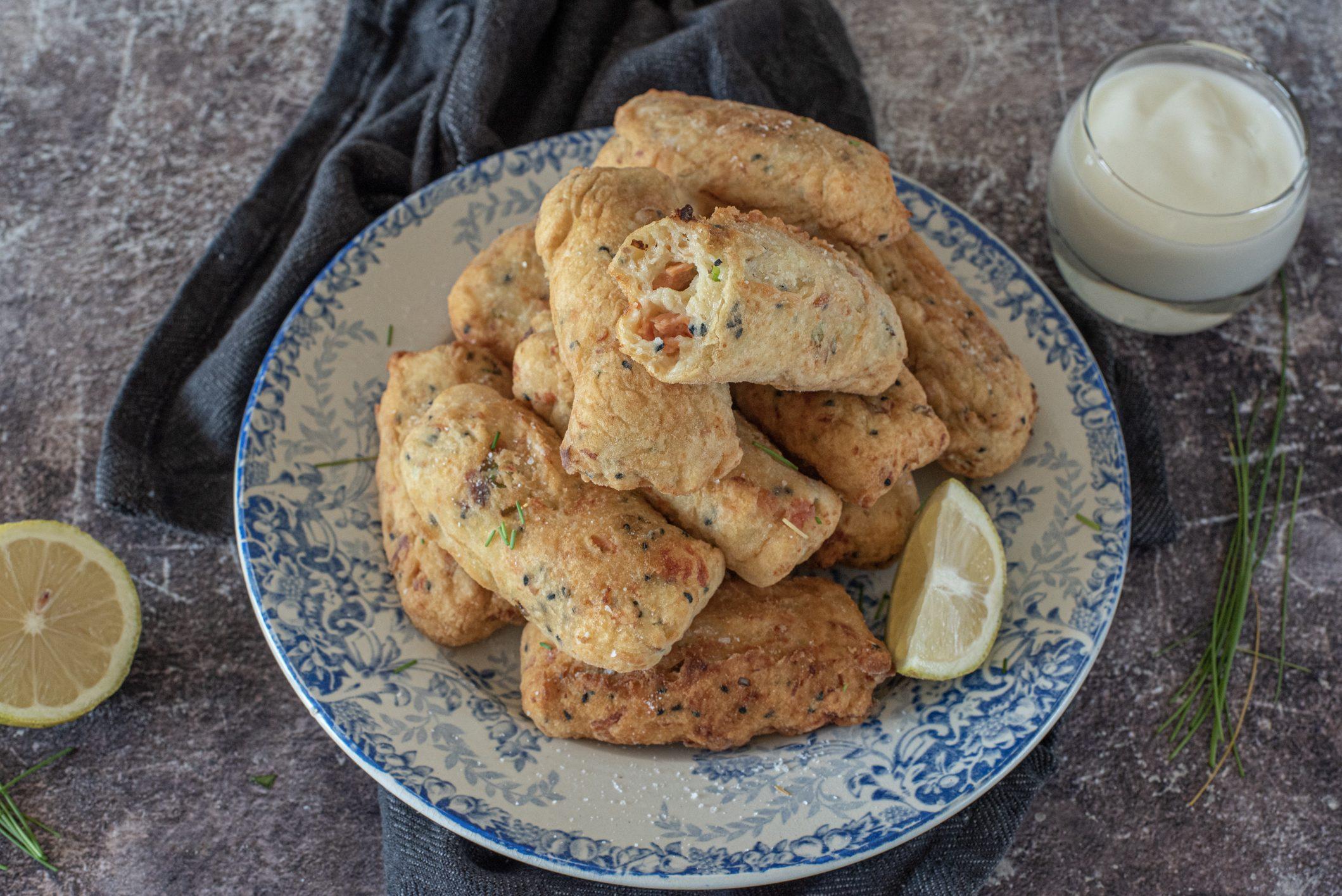 crocchette di patate con salmone affumicato e erbe