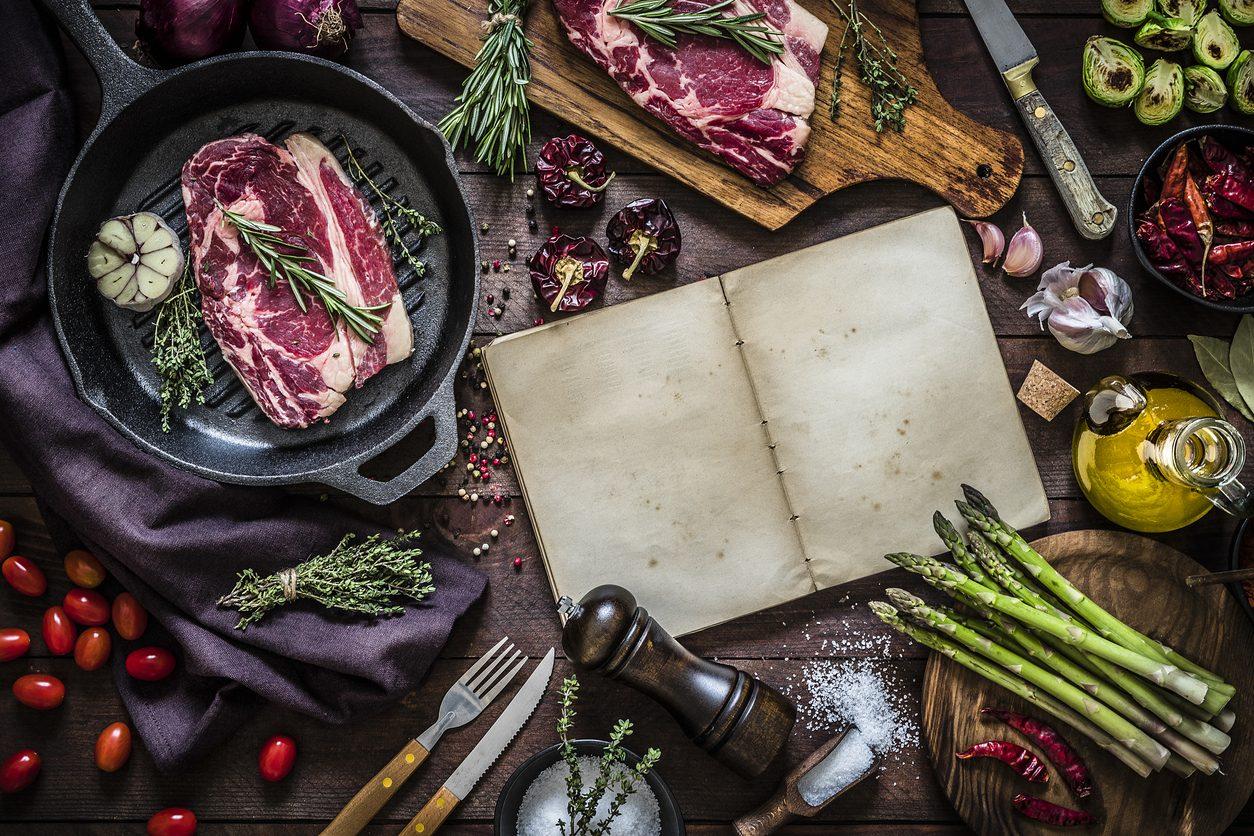 Abc della cucina: le tecniche di cottura più comuni, come distinguerle e usarle al meglio