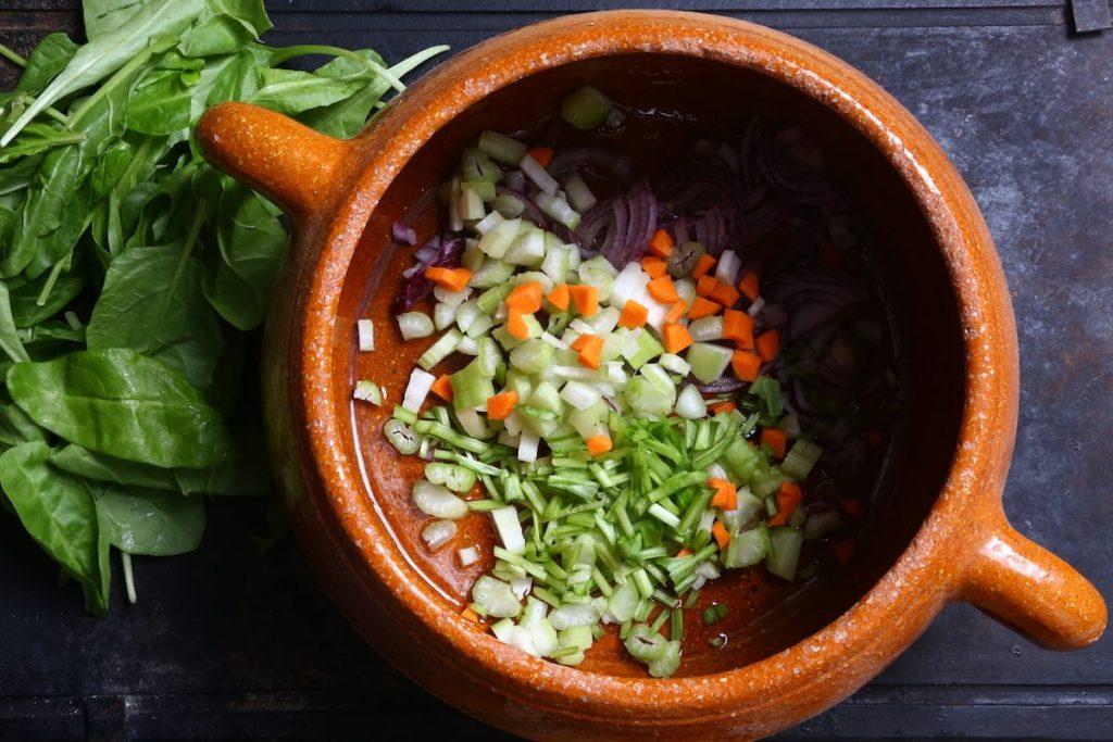 2_ribollita_rosolare trito verdura © Gooduria lab