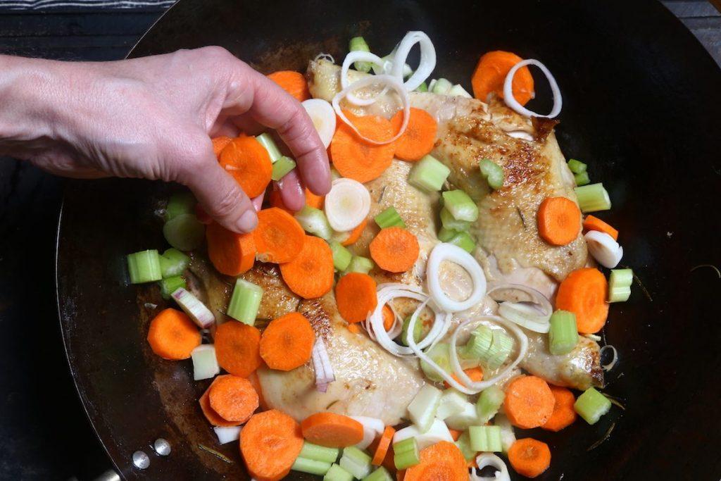 3_pollo campagnola_aggiungere verdure © gooduria lab