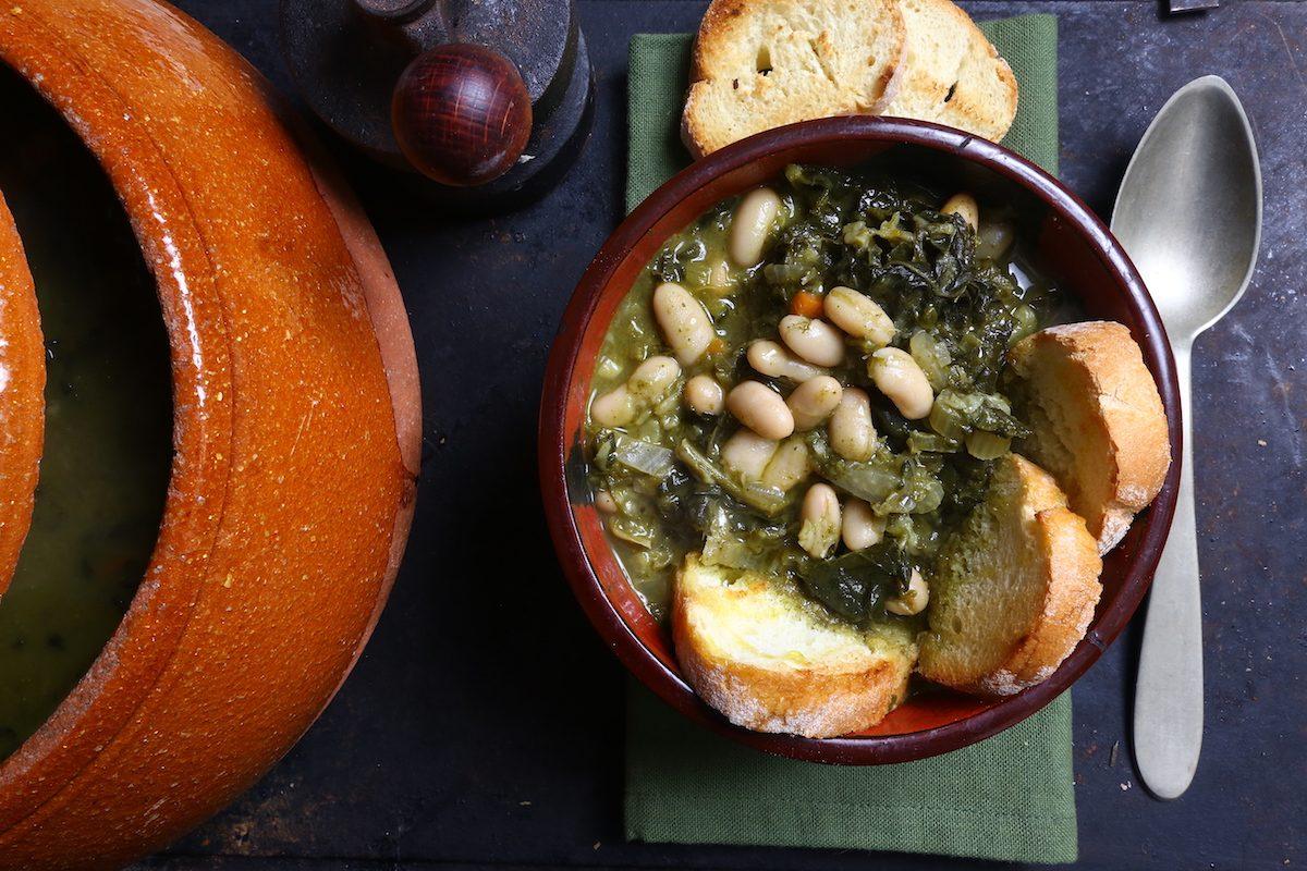 Ribollita di cavolo nero: la ricetta della zuppa simbolo della cucina toscana