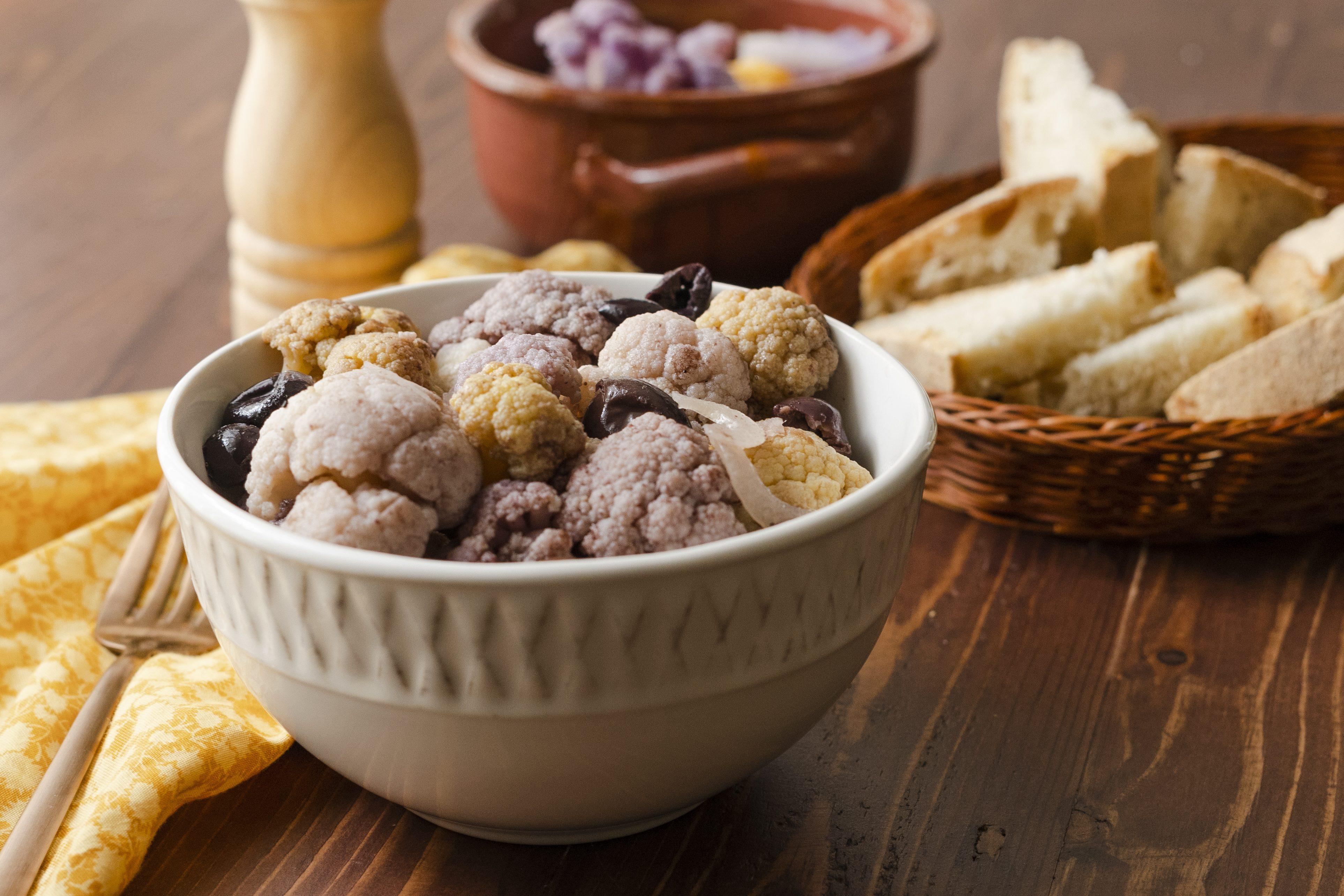 Cavolfiore affogato: la ricetta del contorno colorato e saporito