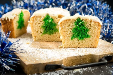 Plumcake natalizio: la ricetta del dolce goloso con sorpresa nell'impasto