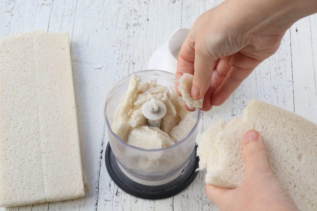 tritare il pane
