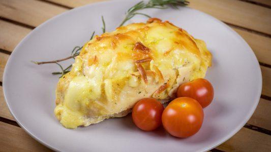 Tasche di pollo ripiene: la ricetta del secondo piatto gustoso e originale