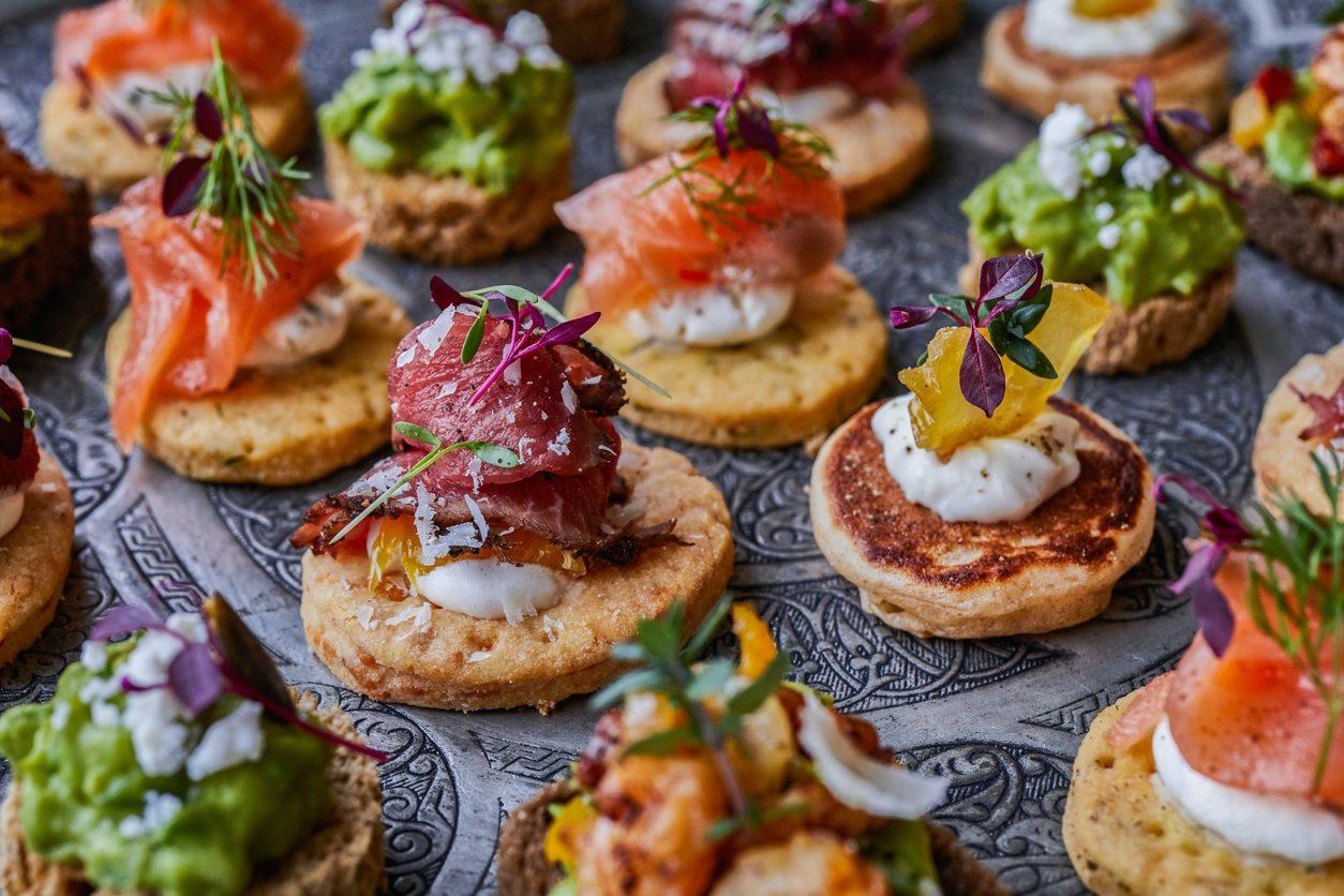 Antipasti di pesce semplici e veloci: 8 ricette golose e invitanti per il Natale 2020
