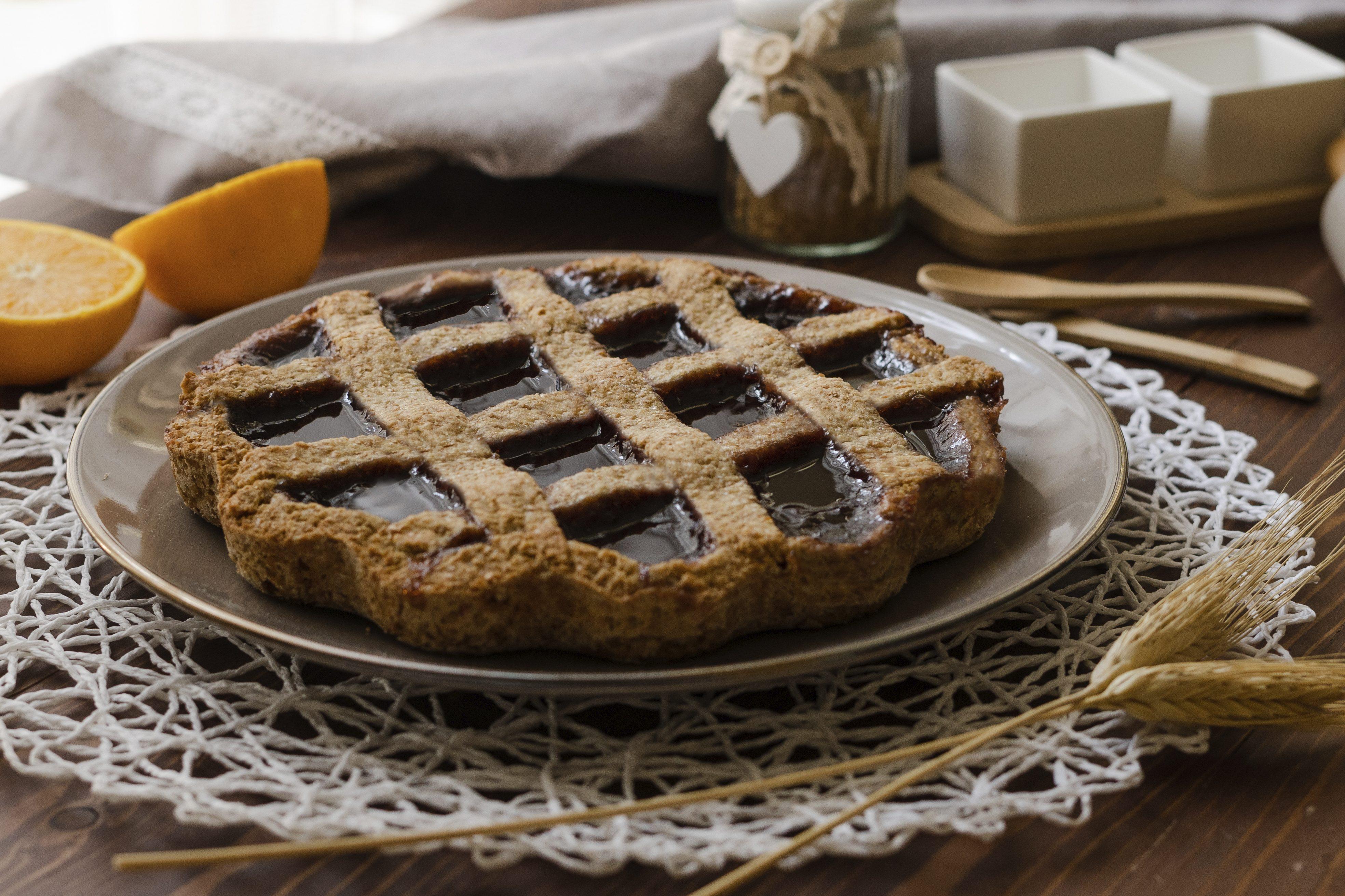 Crostata integrale alle ciliegie: la ricetta della crostata golosa e leggera