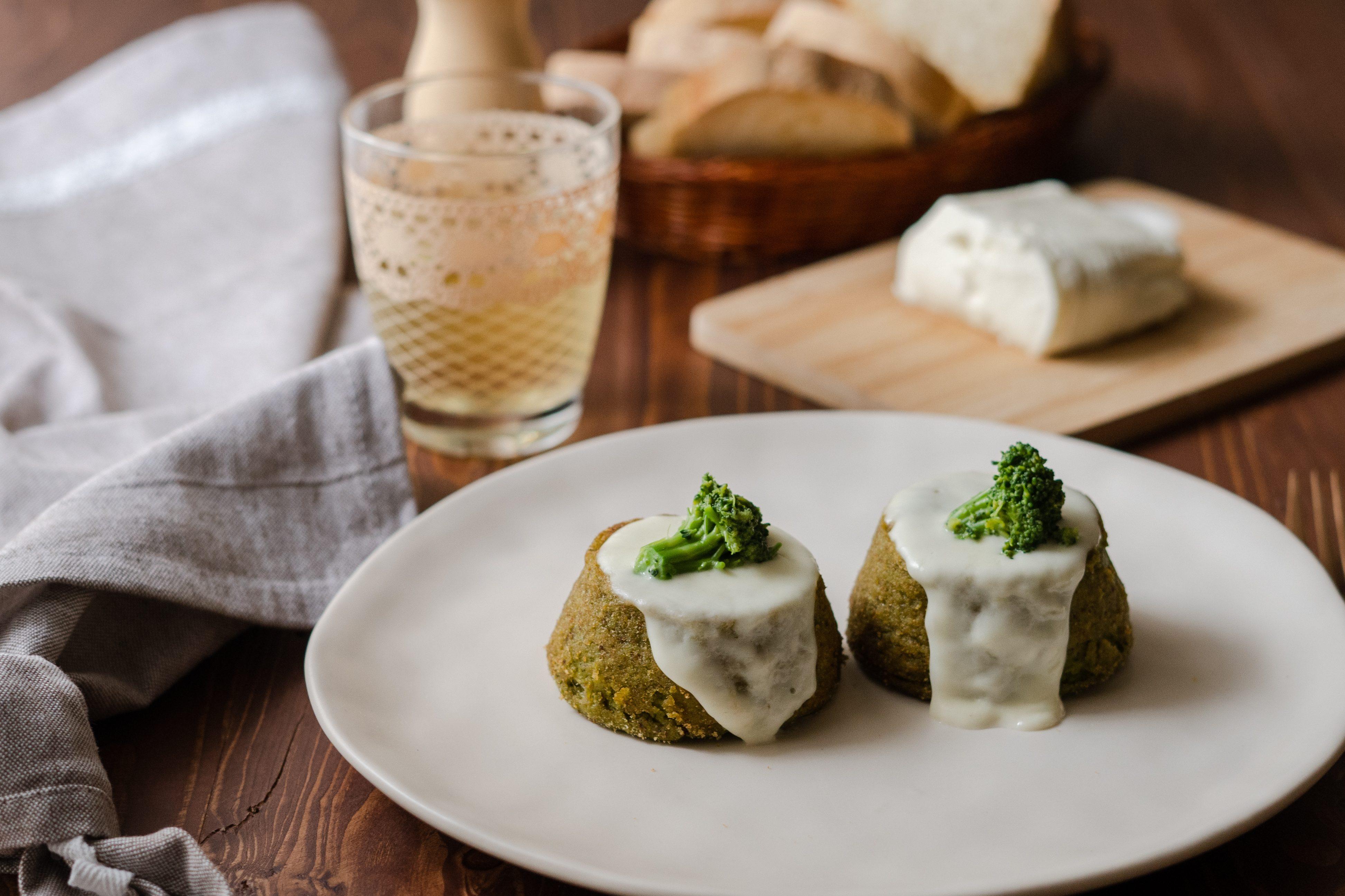 Sformatini di broccoli e crescenza: la ricetta del contorno semplice e cremoso
