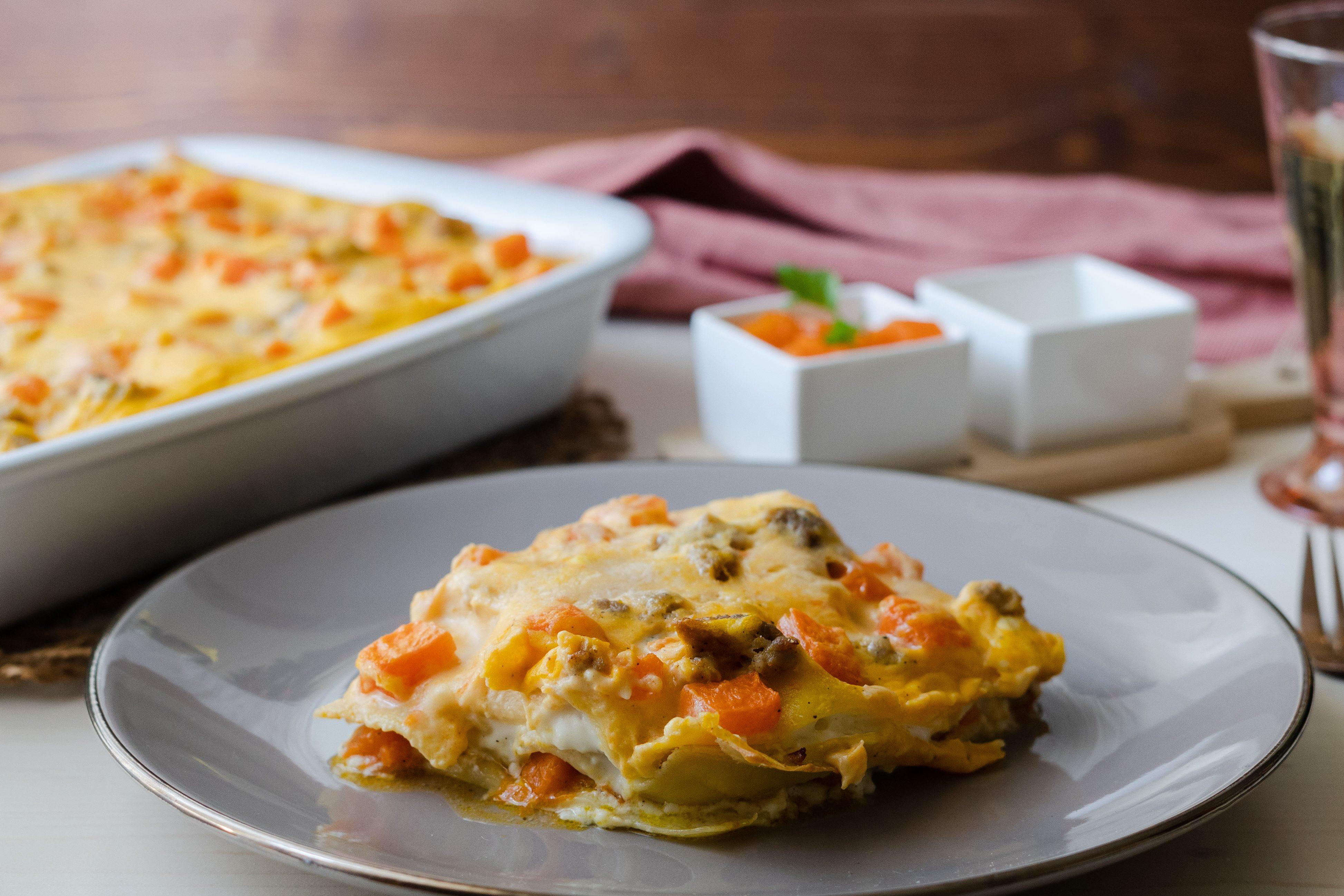 Lasagna zucca e salsiccia: la ricetta del primo piatto ricco e cremoso