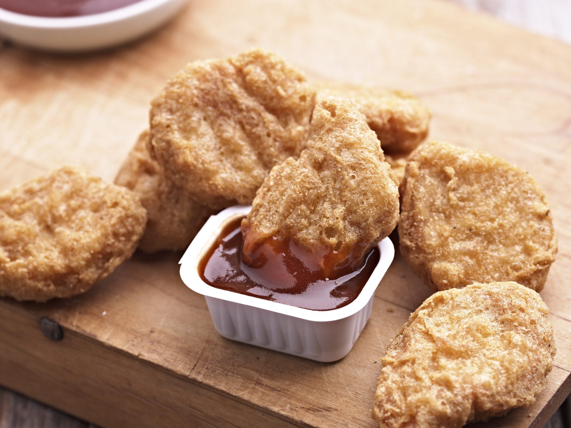 Carne di pollo creata in laboratorio: via libera alla vendita del prodotto a Singapore