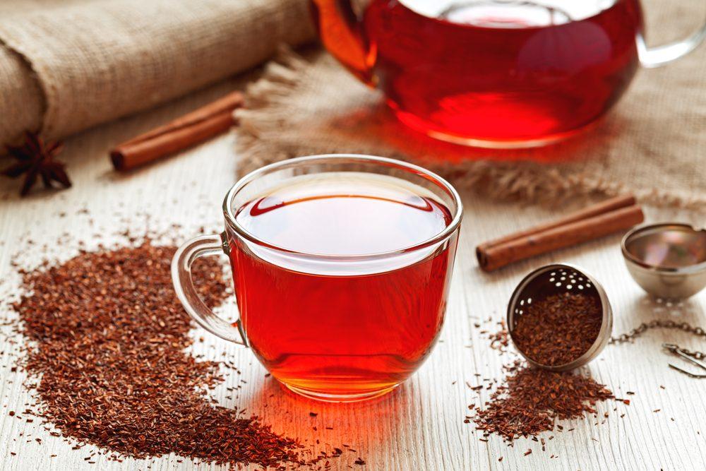 """Infuso di rooibos, una valida alternativa: proprietà e benefici del """"tè rosso africano"""""""