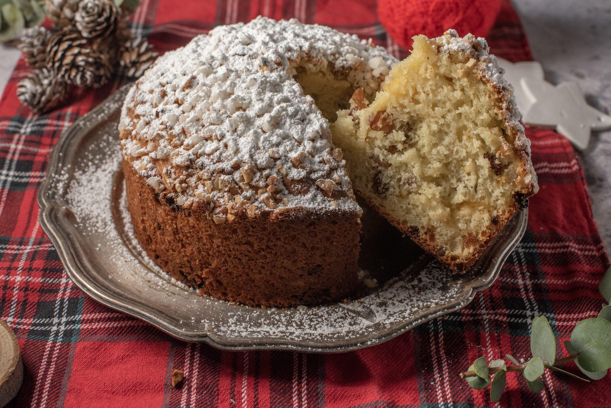 Torta panettone: la ricetta semplificata del classico dolce di Natale