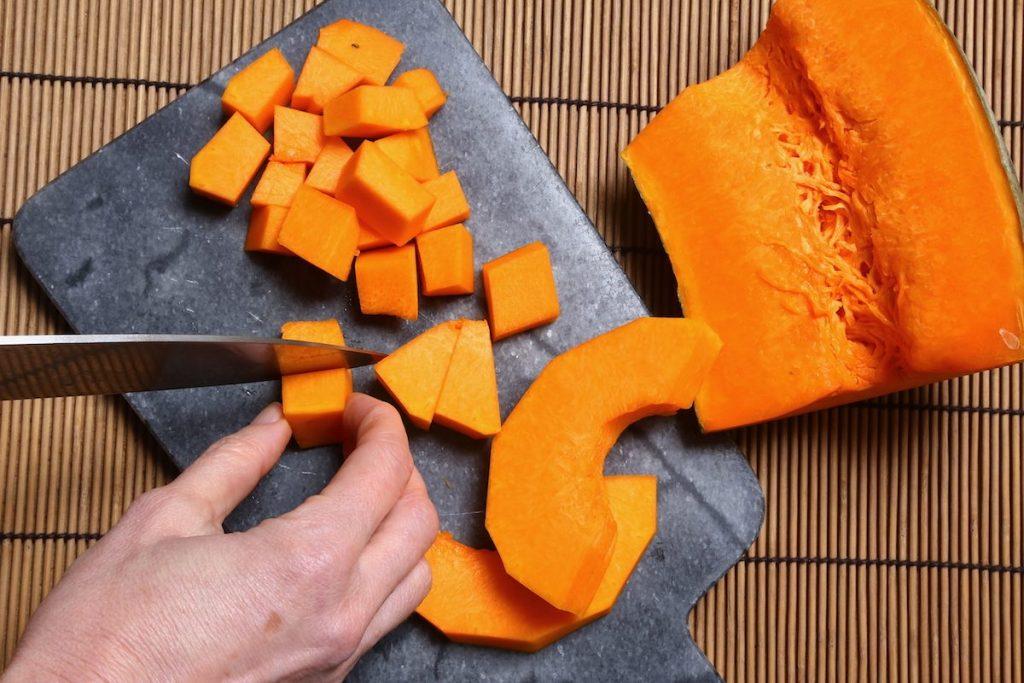 3_tagliate la zucca_zucca con glassa dolce©Gooduria lab