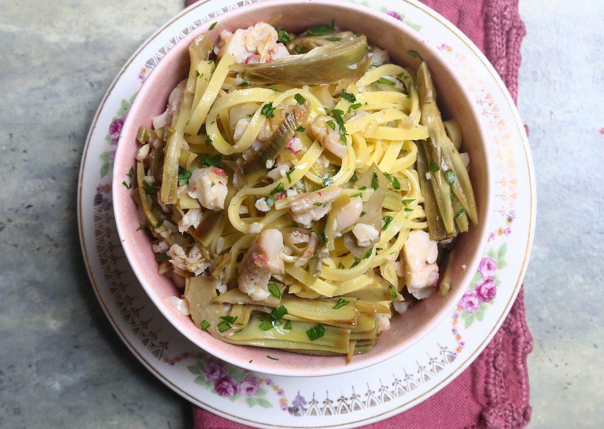 Pasta carciofi e triglie: la ricetta del primo piatto raffinato e appetitoso