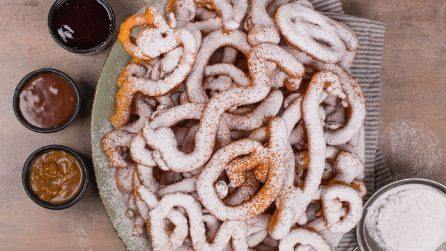 Funnel cake: la ricetta delle frittelle di Carnevale americane
