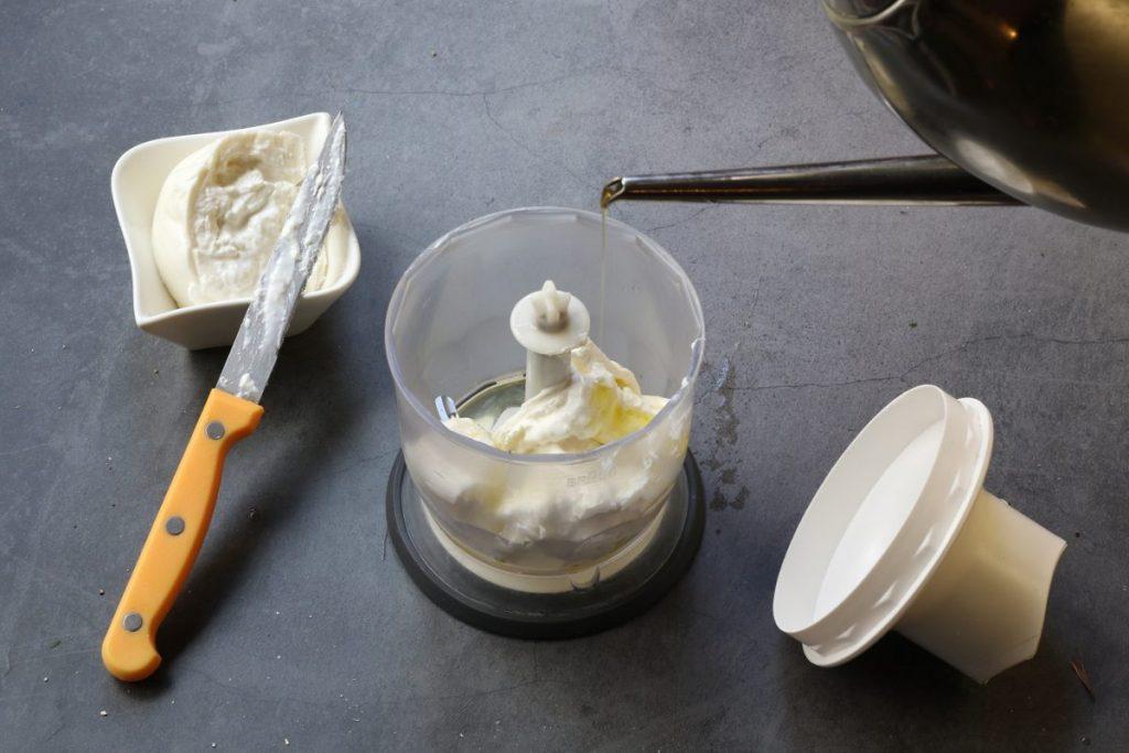 fare la crema di burrata
