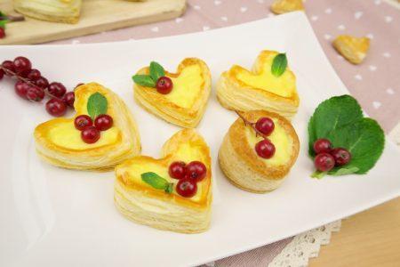 Vol-au-vent a forma di cuore: la ricetta dei cuori di sfoglia dolci per San Valentino