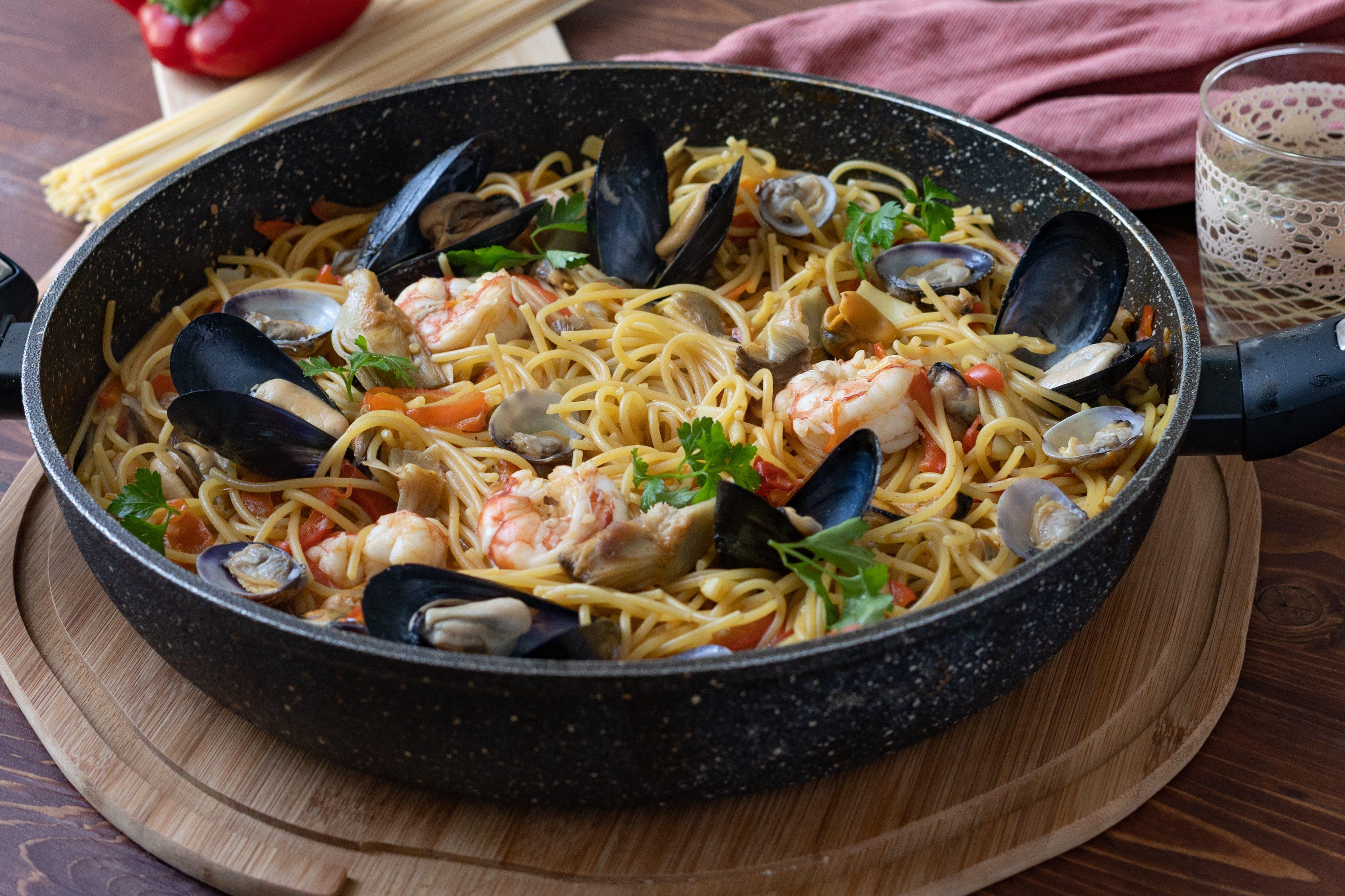 Fideuà valenciana: la ricetta del primo piatto ricco e gustoso