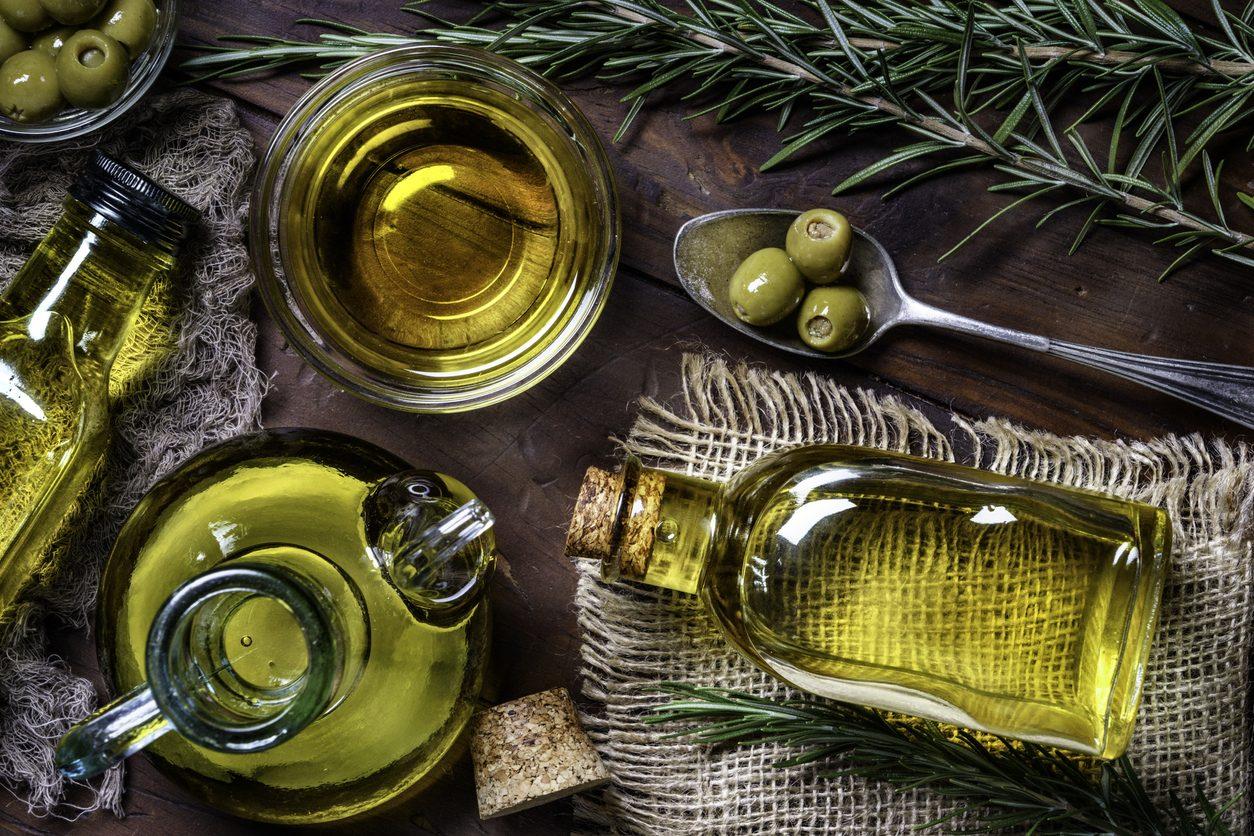 Quanto dura l'olio extravergine d'oliva? Consigli e trucchi per conservarlo al meglio